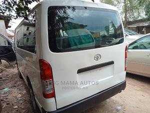 Registered Toyota Hiace Manual Transmission 2010 | Buses & Microbuses for sale in Lagos State, Agege