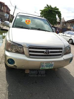 Toyota Highlander 2004 Limited V6 4x4 Silver | Cars for sale in Lagos State, Surulere