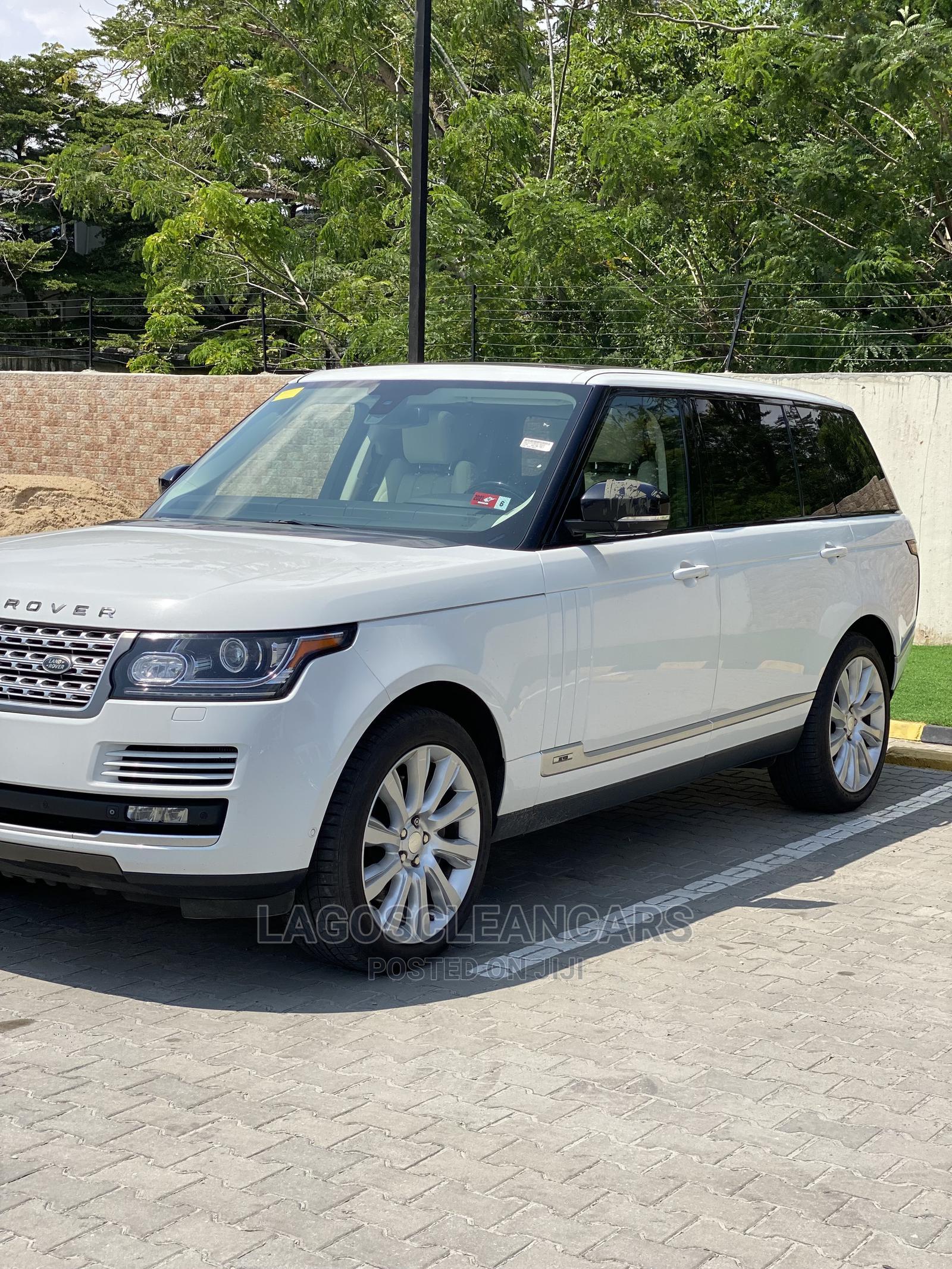 Archive: Land Rover Range Rover Vogue 2014 White
