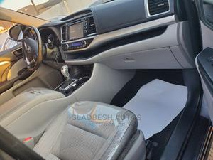 Toyota Highlander 2017 LE 4x2 V6 (3.5L 6cyl 8A) Gray | Cars for sale in Lagos State, Ajah