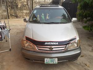 Toyota Sienna 2002 XLE Silver   Cars for sale in Lagos State, Epe