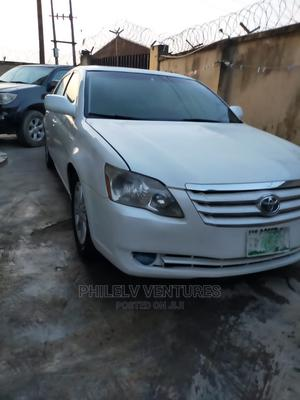 Toyota Avalon 2005 Limited White | Cars for sale in Lagos State, Ogudu