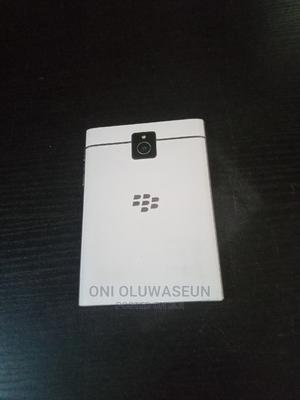BlackBerry Passport 32 GB White | Mobile Phones for sale in Lagos State, Yaba
