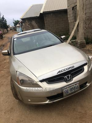 Honda Accord 2005 2.0 Comfort Automatic Gold | Cars for sale in Abuja (FCT) State, Asokoro