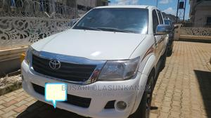 Toyota Hilux 2006 2.0 VVT-i SRX White | Cars for sale in Abuja (FCT) State, Lugbe District