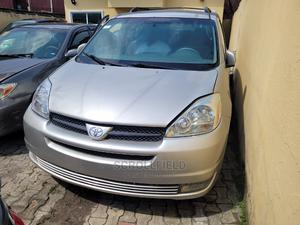 Toyota Sienna 2005 Silver   Cars for sale in Lagos State, Surulere