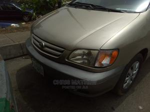 Toyota Sienna 2002 LE Gold   Cars for sale in Lagos State, Amuwo-Odofin