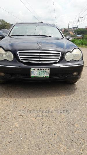Mercedes-Benz C240 2004 Black | Cars for sale in Oyo State, Ibadan