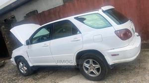 Lexus RX 2000 300 4WD White   Cars for sale in Lagos State, Surulere
