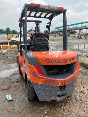Foreign Used 3 Tons Side Shift Forklift | Heavy Equipment for sale in Lagos State, Ikeja