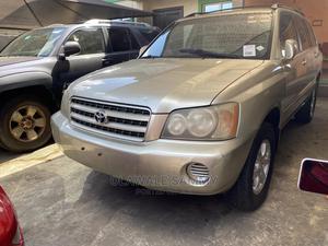 Toyota Highlander 2004 Limited V6 FWD Gold   Cars for sale in Lagos State, Ifako-Ijaiye