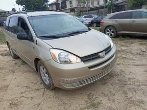 Toyota Sienna 2004 LE FWD (3.3L V6 5A) Gold | Cars for sale in Lagos State, Amuwo-Odofin