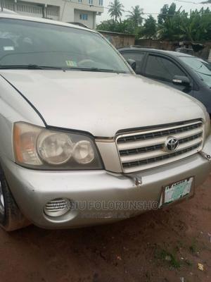 Toyota Highlander 2004 V6 AWD Silver | Cars for sale in Lagos State, Ifako-Ijaiye