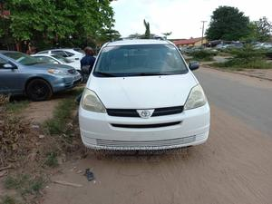 Toyota Sienna 2005 CE White | Cars for sale in Lagos State, Ejigbo