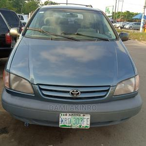 Toyota Sienna 2002 CE Green | Cars for sale in Lagos State, Amuwo-Odofin