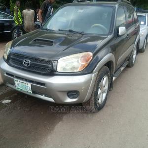 Toyota RAV4 2005 2.0 Black | Cars for sale in Lagos State, Amuwo-Odofin