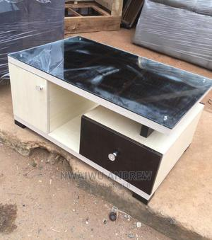 A Black and White Centre Table With Glass on Top   Furniture for sale in Lagos State, Ikeja