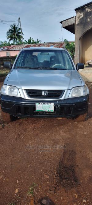 Honda CR-V 2000 2.0 4WD Automatic Silver | Cars for sale in Ondo State, Akure