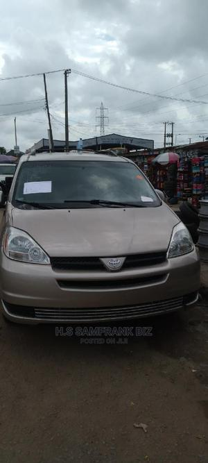 Toyota Sienna 2004 Gold   Cars for sale in Lagos State, Amuwo-Odofin