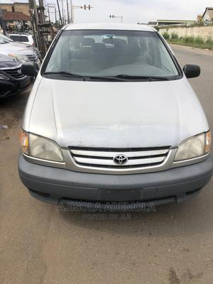 Toyota Sienna 2002 CE Gold   Cars for sale in Lagos State, Ikeja