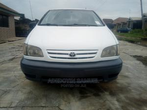 Toyota Sienna 2002 LE White   Cars for sale in Oyo State, Ibadan