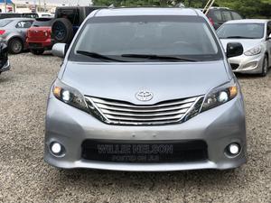 Toyota Sienna 2011 SE 8 Passenger Blue | Cars for sale in Abuja (FCT) State, Jahi