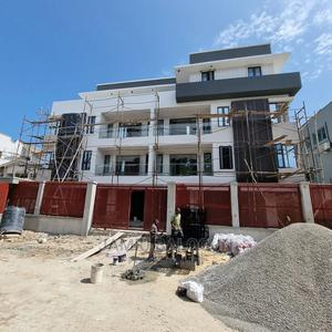 2bdrm Block of Flats in Lekki Phase 1 for Sale | Houses & Apartments For Sale for sale in Lekki, Lekki Phase 1