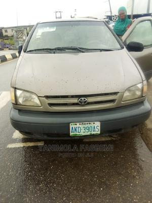 Toyota Sienna 2000 LE & 1 Hatch Brown | Cars for sale in Lagos State, Epe