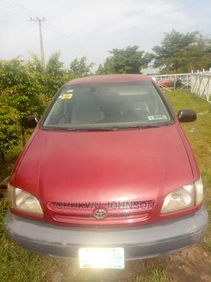 Toyota Sienna 1999 Red | Cars for sale in Abuja (FCT) State, Gaduwa