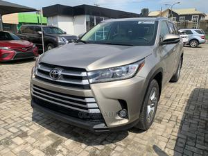 Toyota Highlander 2015 Gold   Cars for sale in Lagos State, Ajah