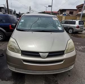 Toyota Sienna 2005 LE AWD Gold   Cars for sale in Lagos State, Surulere
