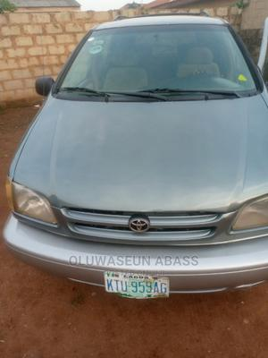 Toyota Sienna 2000 LE & 1 Hatch Gray   Cars for sale in Lagos State, Ikorodu