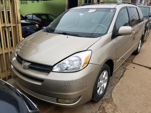 Toyota Sienna 2005 XLE Limited AWD Gold   Cars for sale in Lagos State, Agege