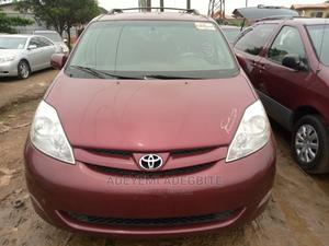 Toyota Sienna 2006 XLE FWD Red   Cars for sale in Lagos State, Alimosho