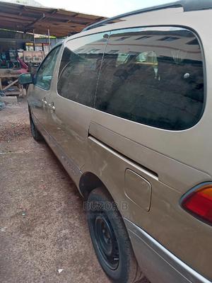 Toyota Sienna 2002 Gold   Cars for sale in Enugu State, Enugu