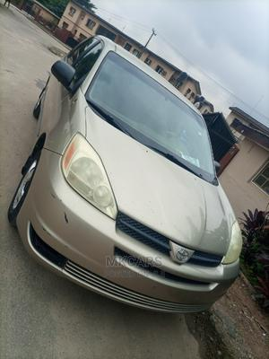 Toyota Sienna 2005 Gold | Cars for sale in Lagos State, Ikeja