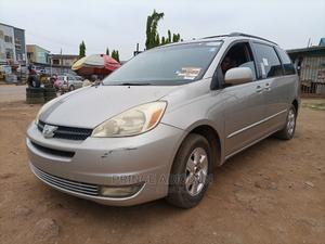 Toyota Sienna 2005 Silver | Cars for sale in Lagos State, Alimosho
