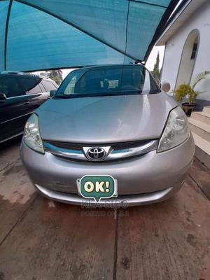 Toyota Sienna 2010 Silver | Cars for sale in Abuja (FCT) State, Lokogoma