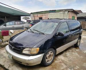 Toyota Sienna 2000 Black | Cars for sale in Lagos State, Alimosho
