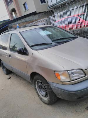 Toyota Sienna 2001 Silver | Cars for sale in Ogun State, Abeokuta North