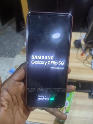 Samsung Galaxy Z Flip 256 GB Gold   Mobile Phones for sale in Lagos State, Ilupeju