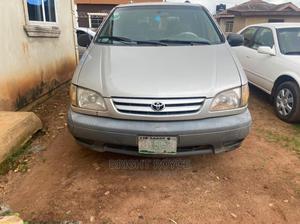 Toyota Sienna 2002 LE Silver   Cars for sale in Ogun State, Ijebu Ode