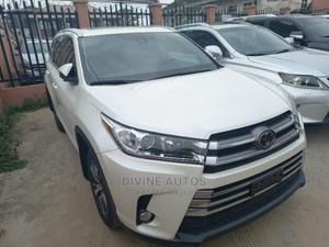 Toyota Highlander 2017 XLE 4x4 V6 (3.5L 6cyl 8A) White   Cars for sale in Lagos State, Apapa