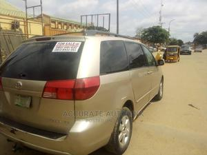Toyota Sienna 2005 LE AWD Gold   Cars for sale in Lagos State, Alimosho