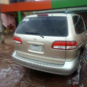 Toyota Sienna 2002 LE Gold   Cars for sale in Imo State, Owerri