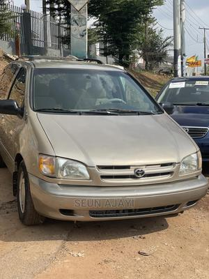 Toyota Sienna 2000 LE & 1 Hatch Gold | Cars for sale in Oyo State, Ibadan