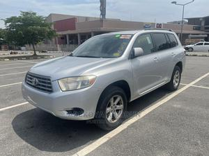 Toyota Highlander 2008 4x4 Silver | Cars for sale in Lagos State, Amuwo-Odofin