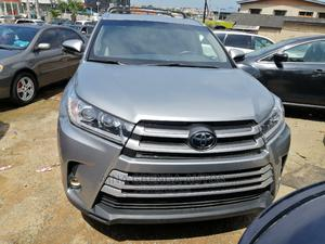 Toyota Highlander 2017 XLE 4x2 V6 (3.5L 6cyl 8A) Gray | Cars for sale in Lagos State, Magodo