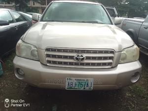 Toyota Highlander 2006 Gold | Cars for sale in Abuja (FCT) State, Central Business District