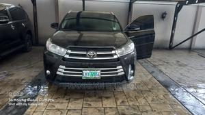 Toyota Highlander 2017 XLE 4x4 V6 (3.5L 6cyl 8A) Black | Cars for sale in Rivers State, Obio-Akpor